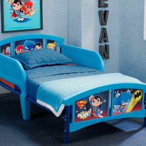 Delta Children Style 1 Super Friends (Batman | Superman | Cyborg | The Flash | Aquaman) Plastic Toddler Bed Hangtag View a2a