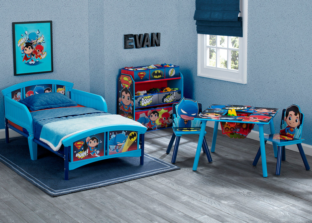 Delta Children Style 1 Super Friends (Batman | Superman | Cyborg | The Flash | Aquaman) Plastic Toddler Bed Room View a1a
