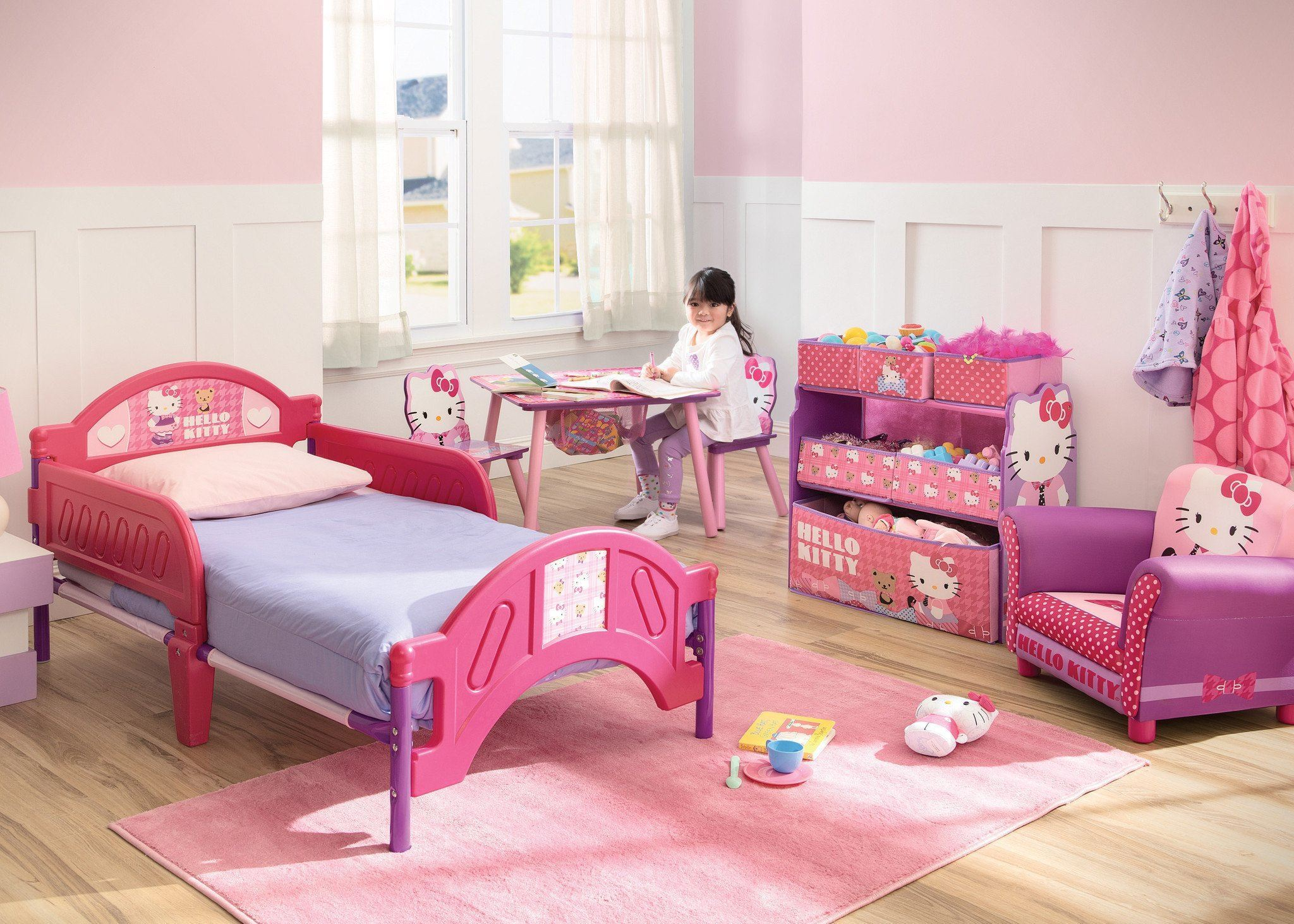 Delta Children Hello Kitty Fuchsia Plastic Toddler Bed Right Side View B1b Room B0b
