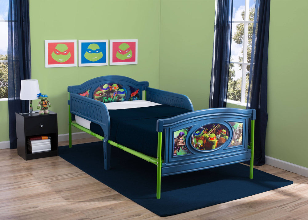 Delta Children Teenage Mutant Ninja Turtles Deluxe Plastic Twin Bed, Room View with Model a3a