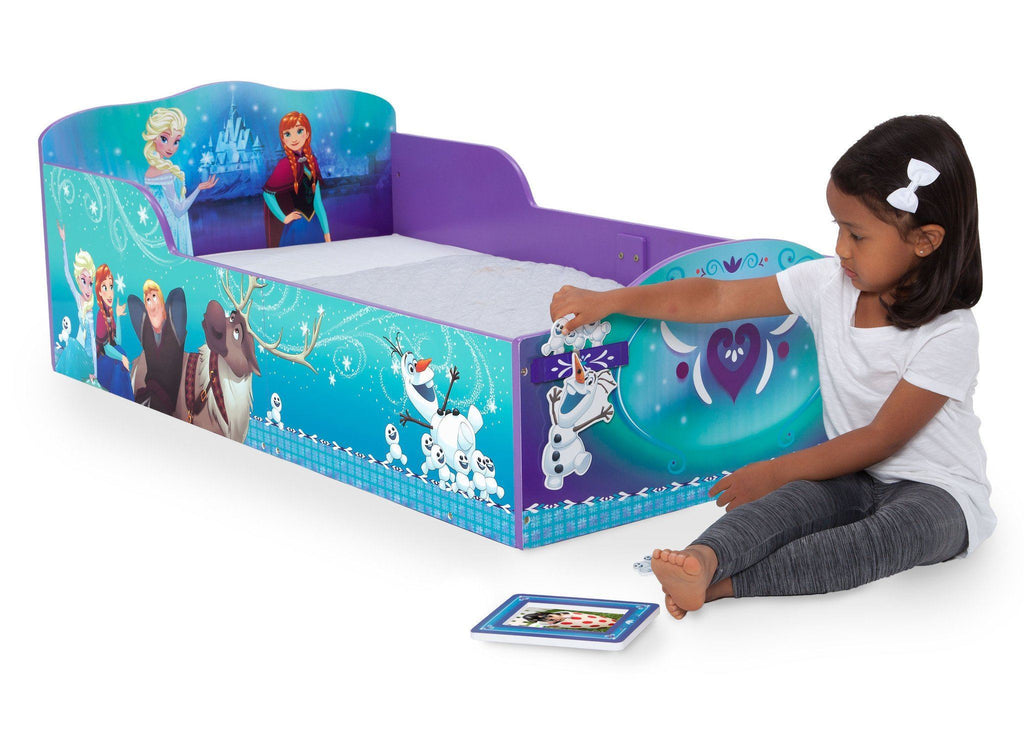 Delta Children Frozen Wood Toddler Bed with Track Buddies, Lifestyle a3a