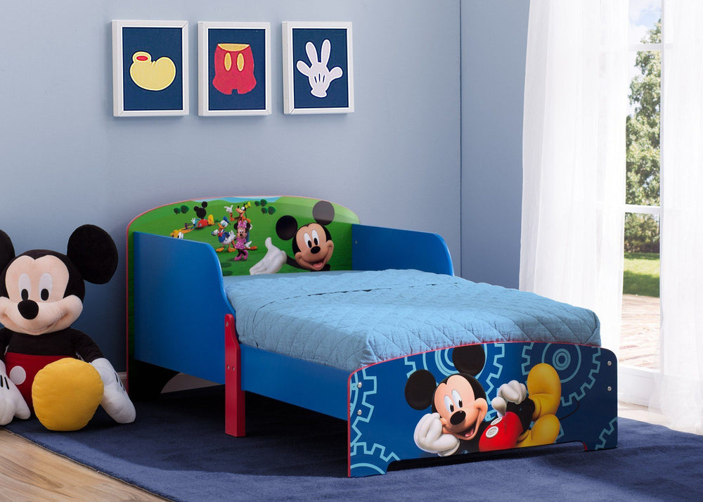 Delta Children Mickey Mouse Wood Toddler Bed, Room a1a