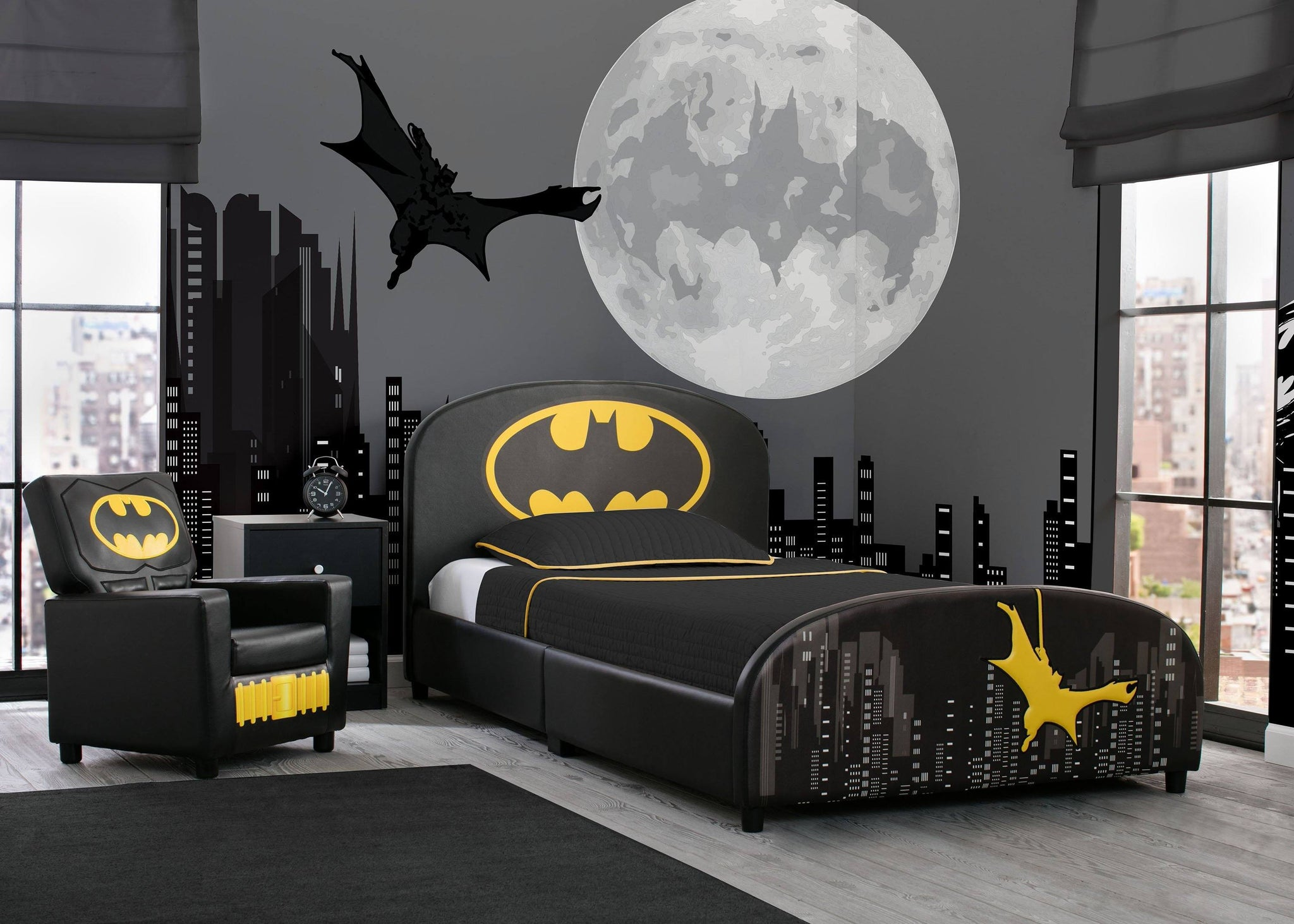 Delta Children Batman Upholstered Twin Bed Batman (1200), Room View