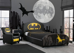 Delta Children Batman Upholstered Twin Bed, Room View a1a