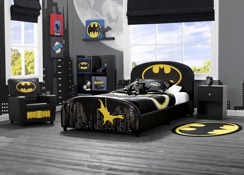 Delta Children Batman (1200) Soft Area Rug with Non-Slip Backing (TR80048BT), Hangtag, a1a