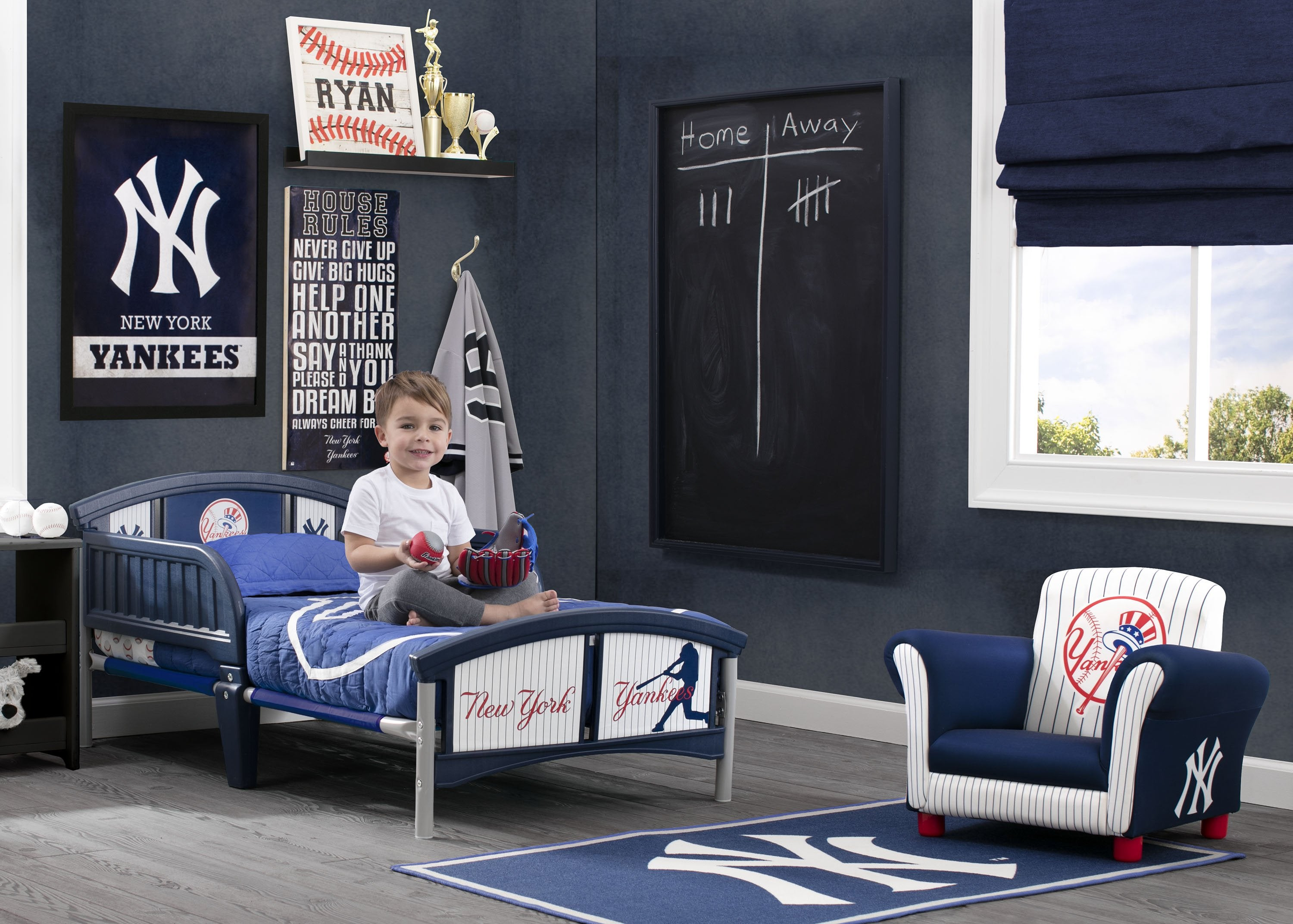 ... Delta Children New York Yankees Plastic Toddler Bed Room Shot A0a