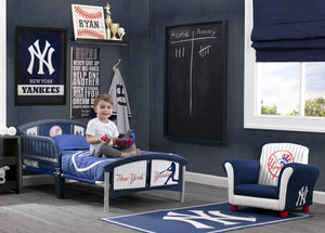 Delta Children New York Yankees (1230) Soft Area Rug with Non-Slip Backing (TR9812NYY), Hangtag, a1a
