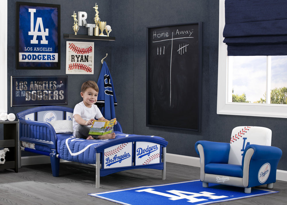 Delta Children Los Angeles Dodgers Plastic Toddler Bed Room Shot a0a