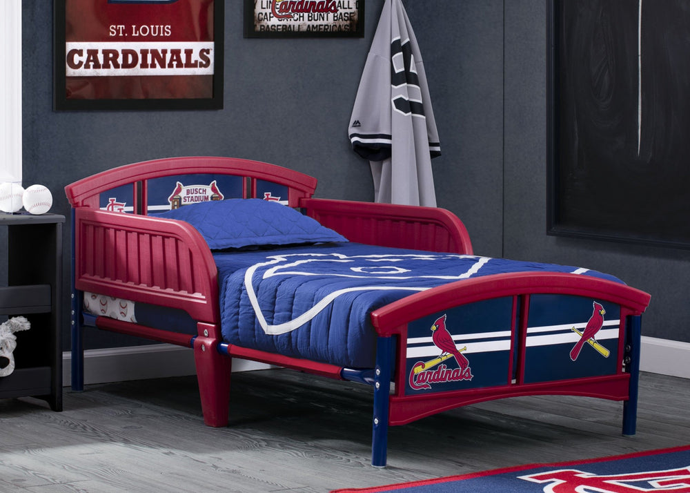 Delta Children St. Louis Cardinals Toddler Bed Room Shot a1a