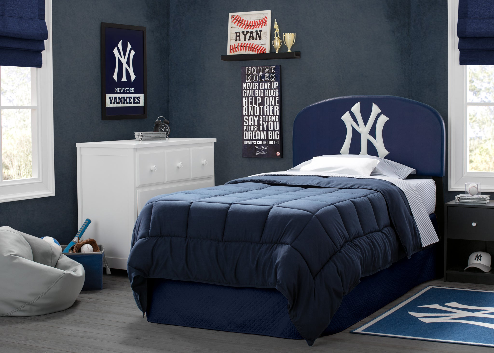 Delta Children New York Yankees (1230) Upholstered Twin Headboard, Room View