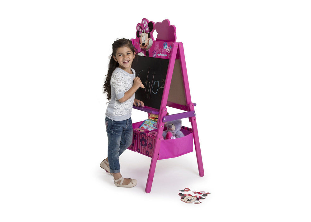 Delta Children Minnie Mouse Activity Easel with Storage, Chalkboard Surface View with Props a3a