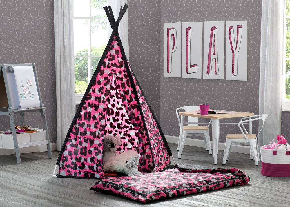 Delta Children Pink Cheetah Teepee Play Tent and Matching Sleeping Bag Set for Kids, Hangtag View