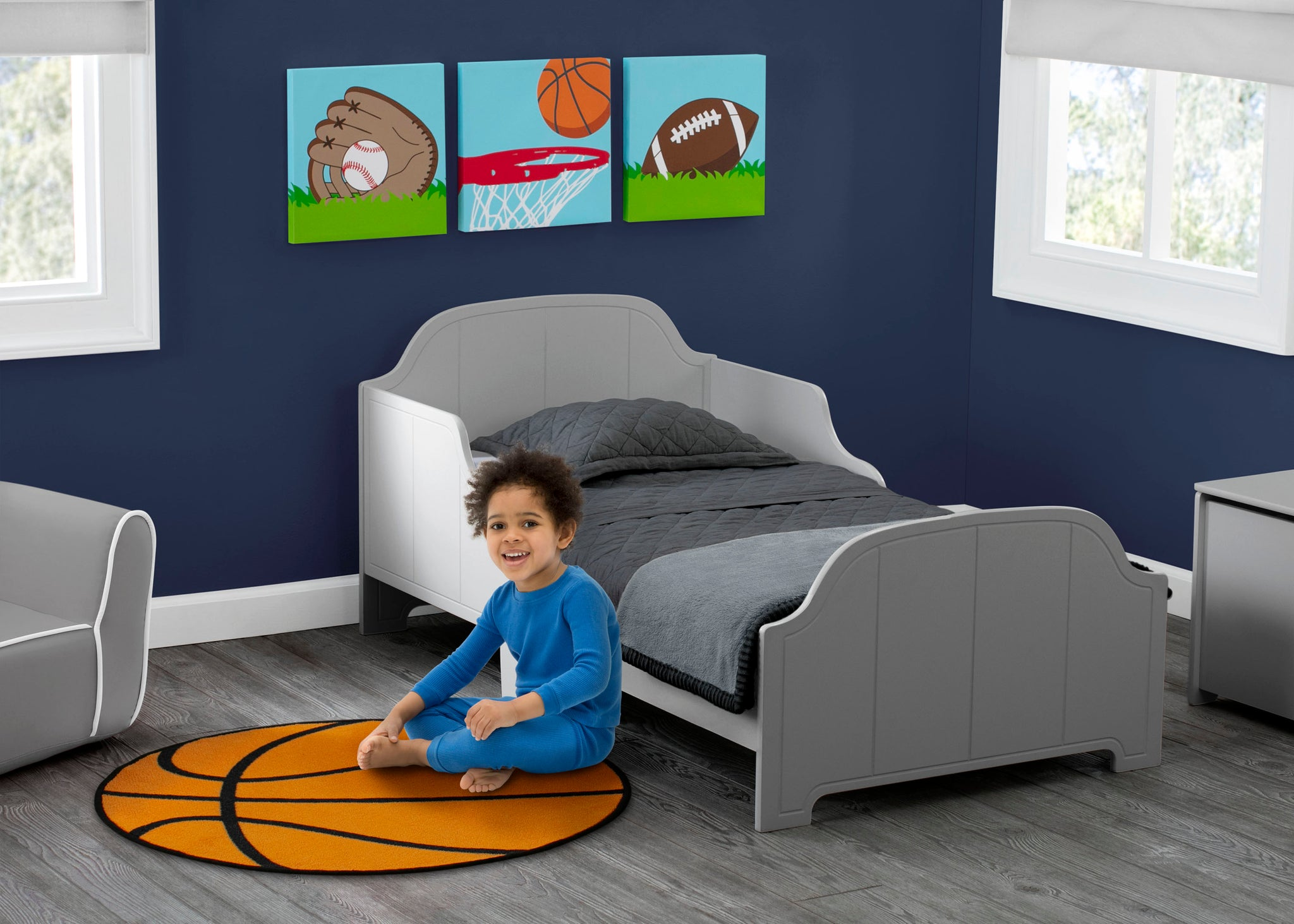Delta Children Sports (3204) 3-Piece Canvas Wall Art Set for Boys, Room View