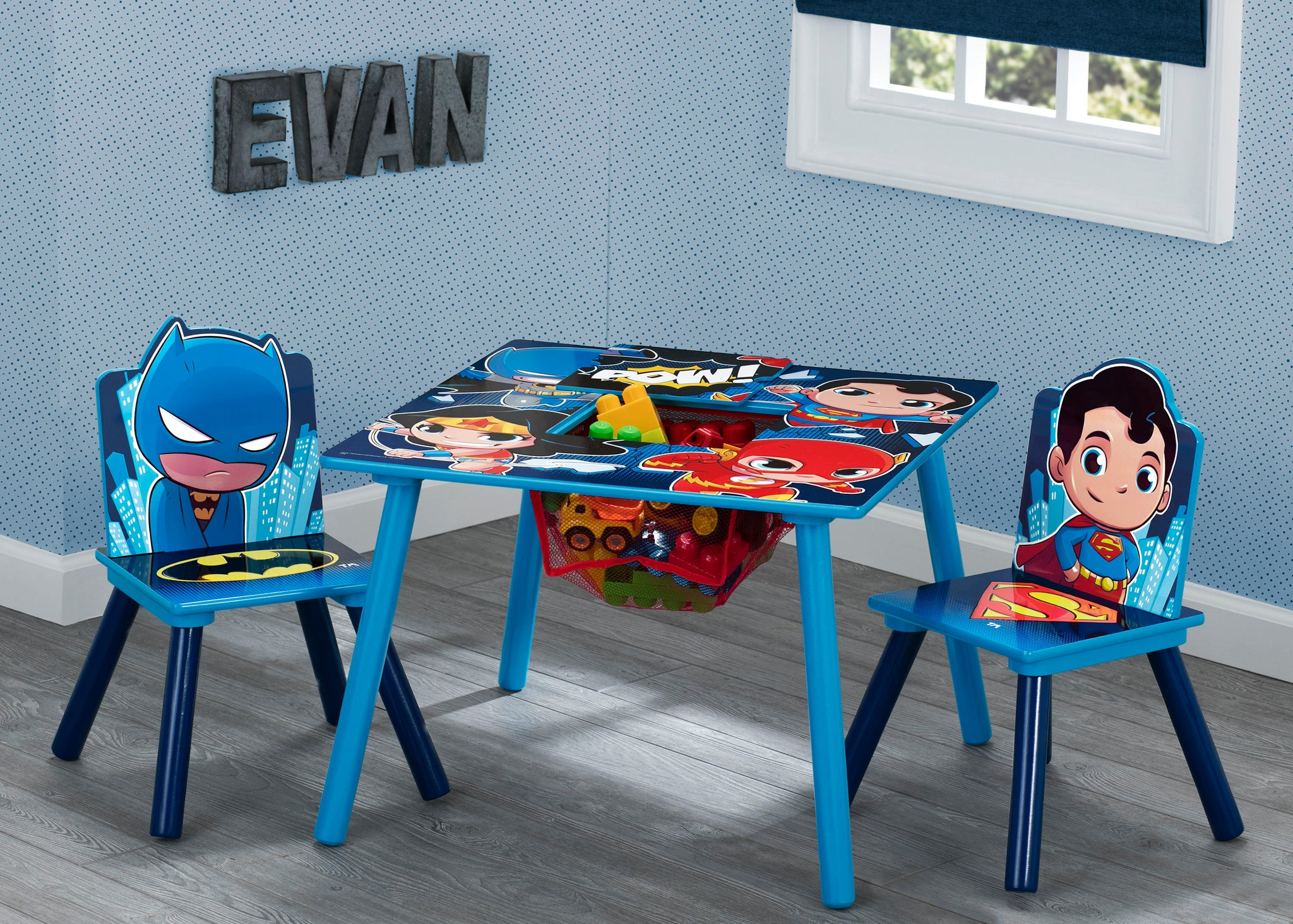 Delta Children Style 1 Super Friends (Batman | Superman | Wonder Woman | The Flash) Kids Chair Set and Table Hangtag View a2a