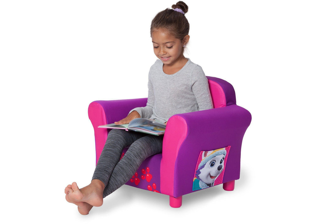 Delta Children PAW Patrol - Skye & Everest - Upholstered Chair, Lifestyle a4a