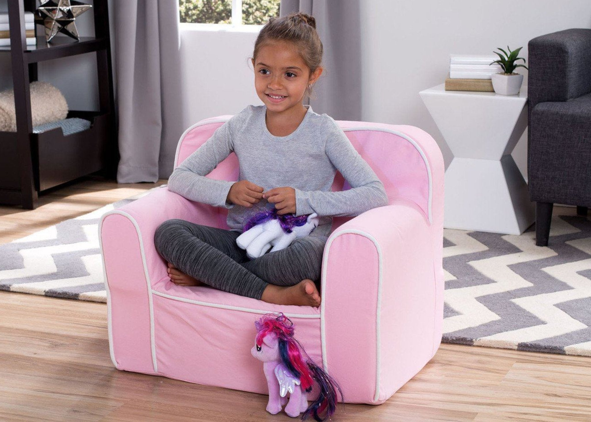 Foam Snuggle Chair (Pink and White) - bundle