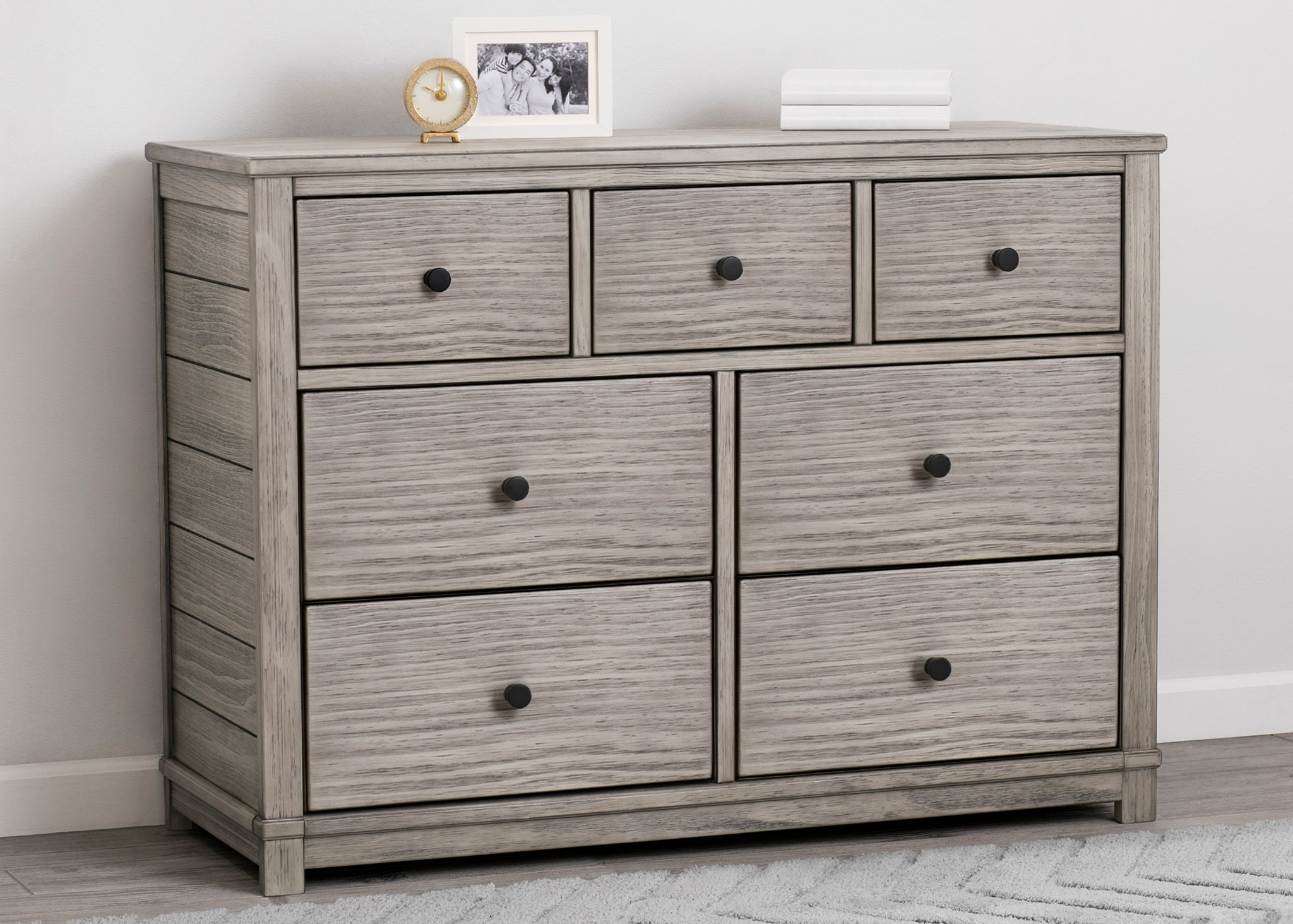 Simmons Kids Rustic White (119) Monterey 7 Drawer Dresser