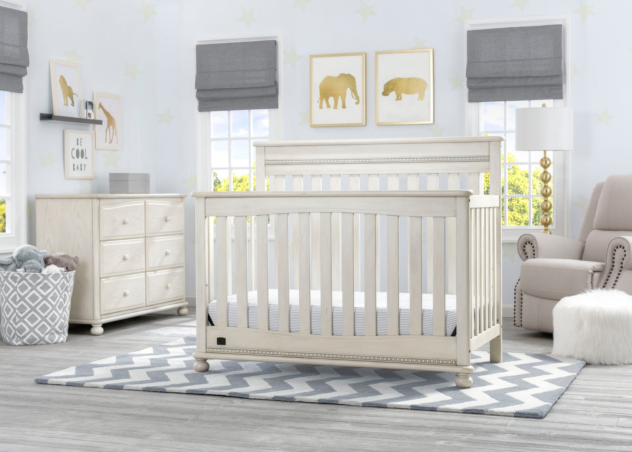 Delta Children Antique White (122) Franklin 4-in-1 Convertible Crib (W337550) Room View, a1a