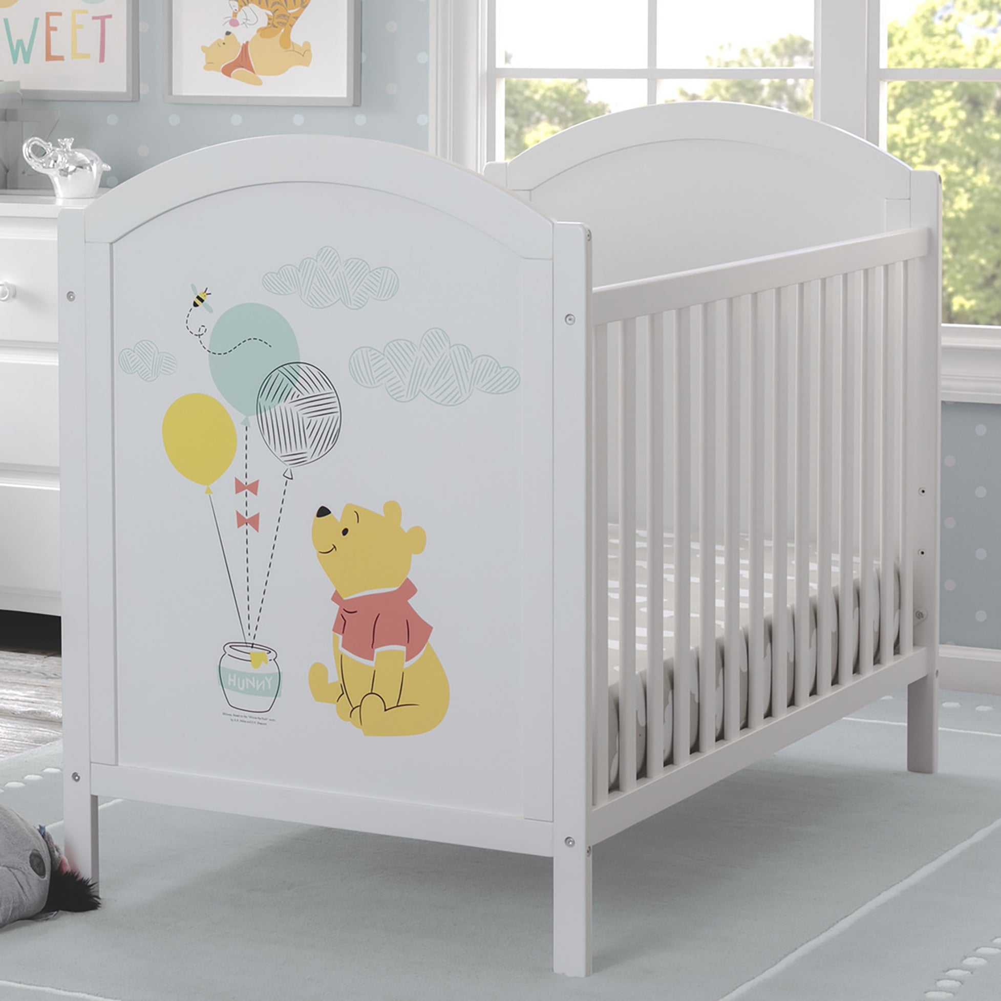 Winnie The Pooh 4-in-1 Convertible Crib