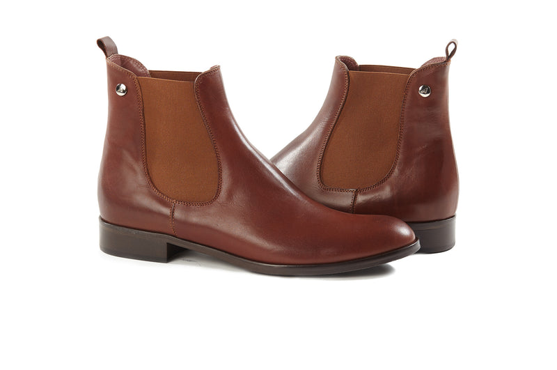 cognac brown all genuine leather women's classic Italian Chelsea boots in extended large sizes 9, 10, 11, 12, 13 made in Italy main view