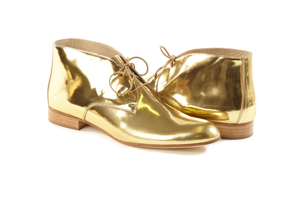 gold metallic chukkas, women's chukka boots, gold chukka flat boots for women, gold metallic leather women's chukka boots in extended large size 9,10,11,12,13 made in Italy main view