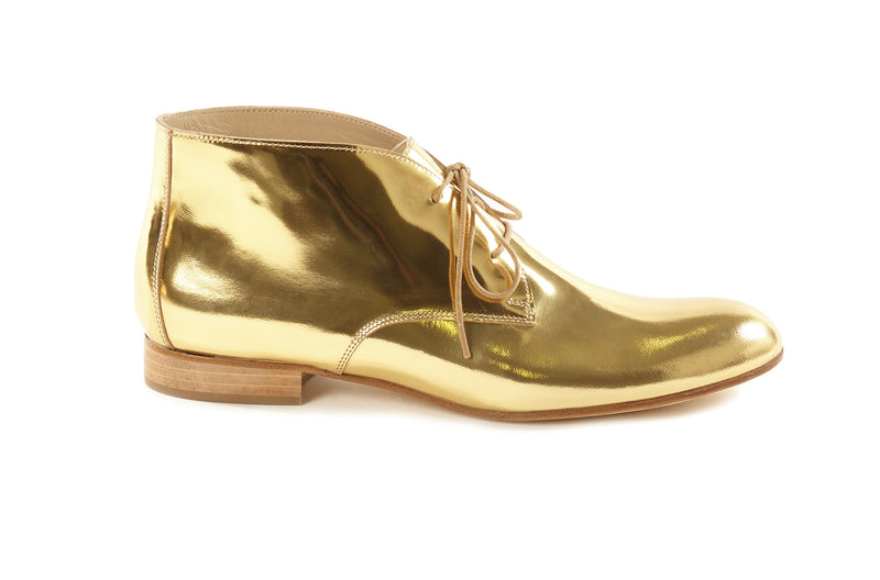 gold metallic chukkas, women's chukka boots, gold chukka flat boots for women, gold metallic leather women's chukka boots in extended large size 9,10,11,12,13 made in Italy outside view