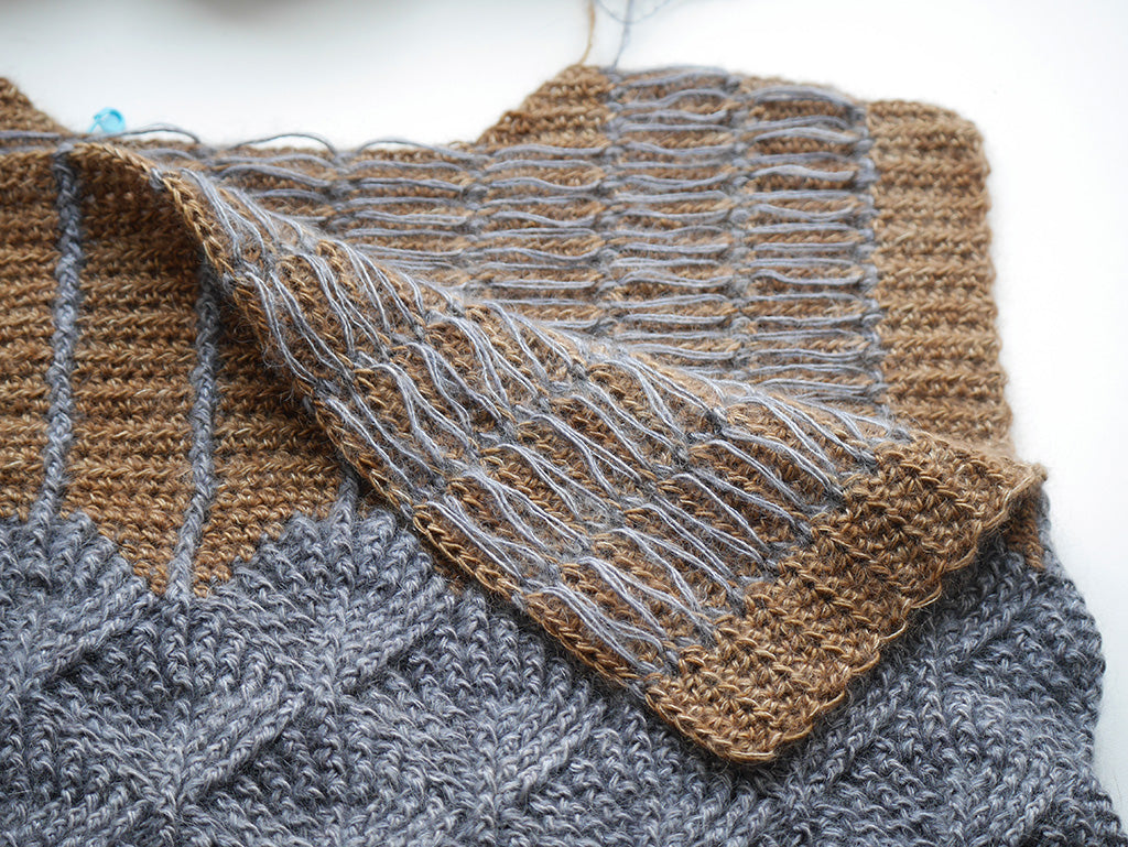 Close-up of Upper Front and Back wrong sides showing yarn floats