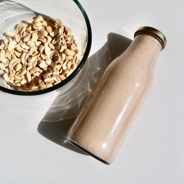 DIY EFFORTLESS DREAMY CHOCOLATE CASHEW MILK RECIPE