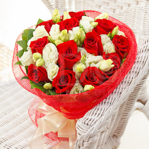 Innocent Passion Rose Bouquet AHB 1