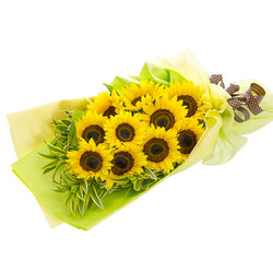 Sunshine in your smile Sunflower Bouquet AHB 27