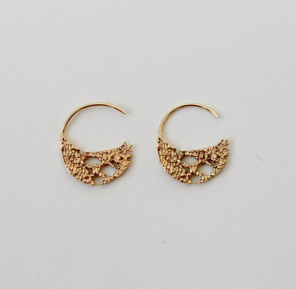 Lacy Lace Hoops Small - Norway Designs