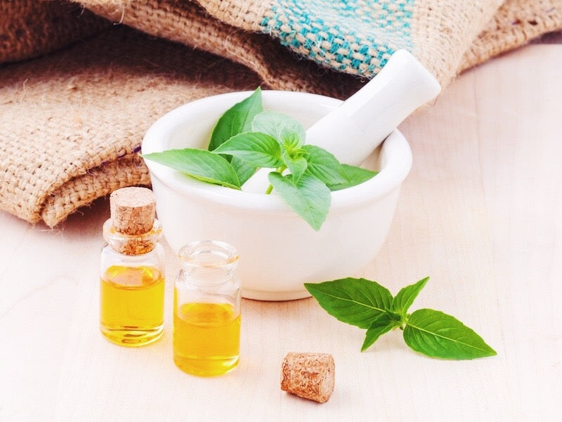 The Essential Oil Essentials: How to Use Them + Our Top 10 Oils for Everyday