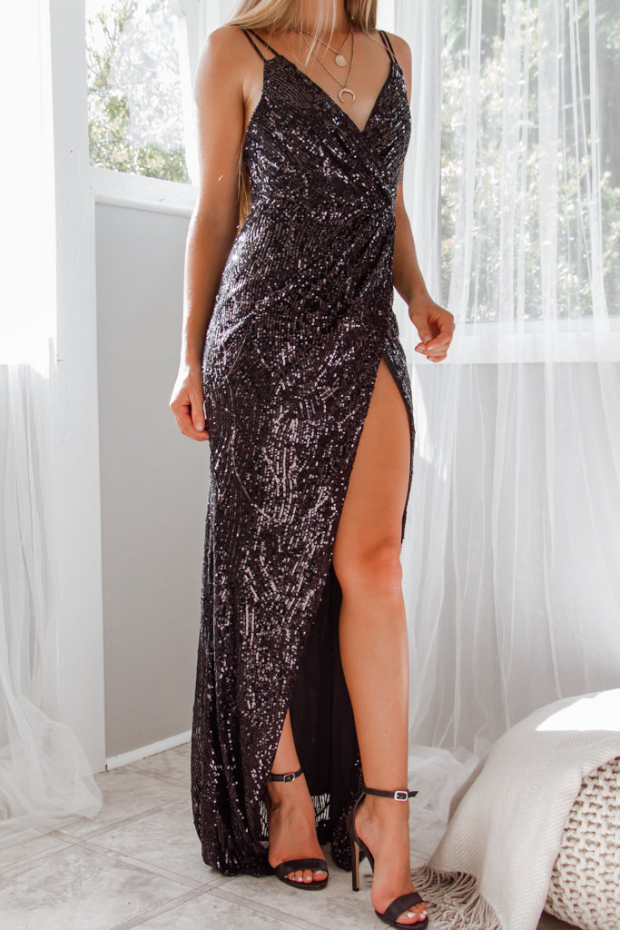 Giovani Sequin Gown - Black