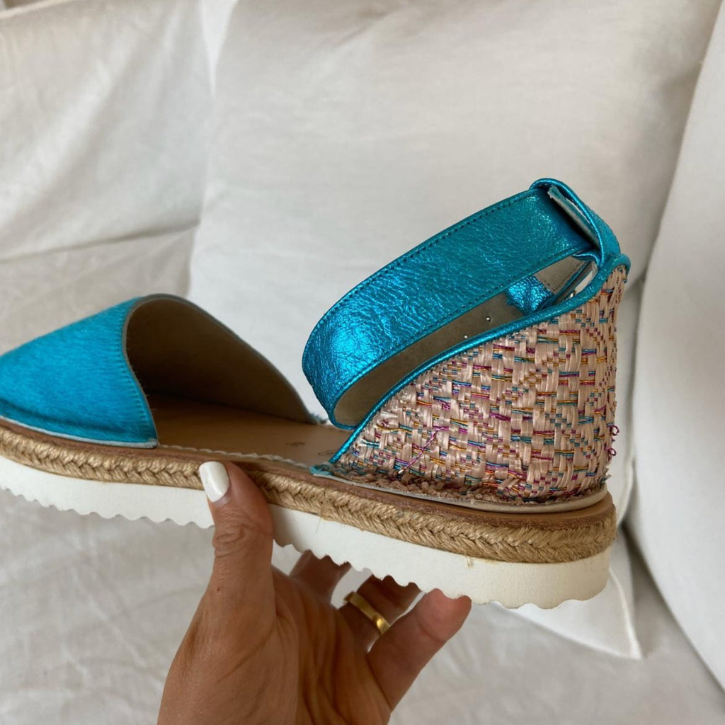 SAMPLE 115 - SIZE 39