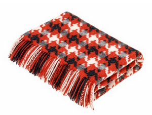 Houndstooth Coral Throw