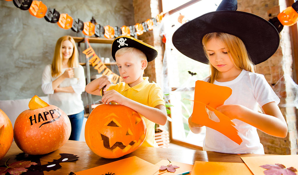 Making Halloween decorations at home with the kids