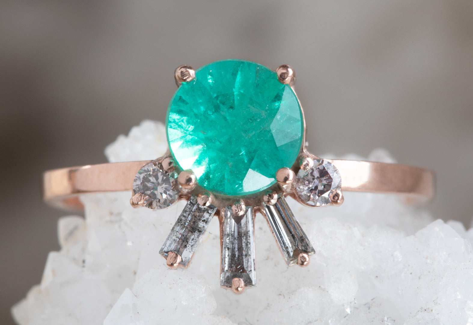 Brilliant-Cut Emerald Engagement Ring with Baguette Diamond Sunburst