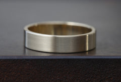 Unisex 14kt Gold Band - 5MM