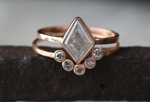 Natural Silver-Grey Geometric Diamond Ring