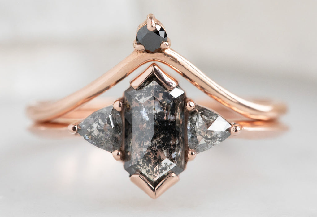 The Jade Ring with a Black Hexagon Diamond