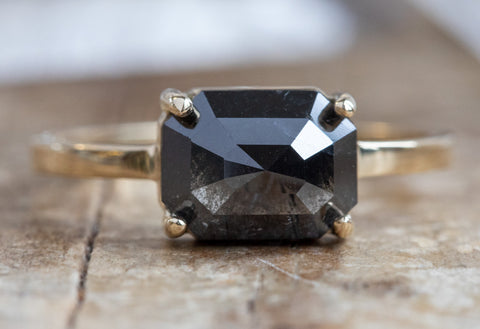 The Bryn Ring with a Black Hexagon Diamond