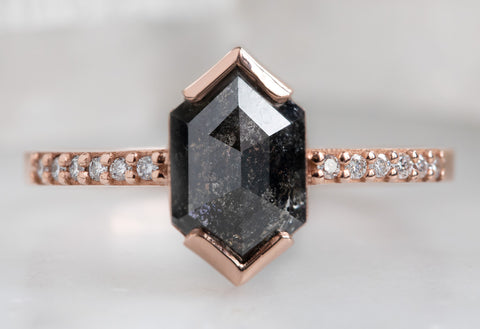 The Willow Ring with a Black Hexagon Diamond