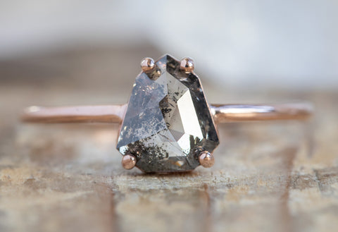 The Bryn Ring with a Geometric Salt + Pepper Diamond