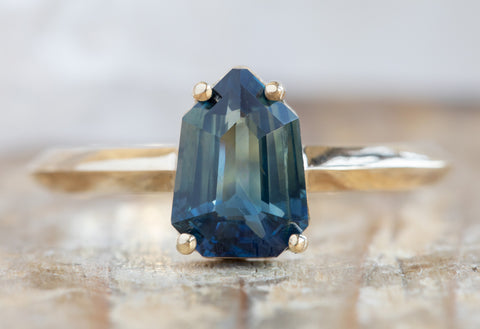 The Bryn Ring with a Geometric Montana Sapphire