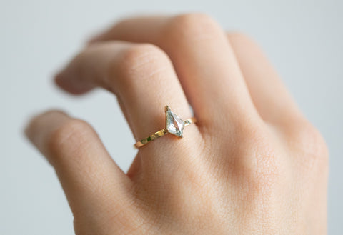 The Sage Ring with a White Kite Diamond