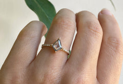 The Willow Ring with a Silvery-Grey Kite Diamond