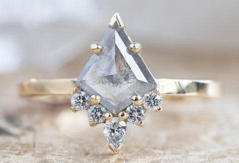 The Aster Ring with a Grey Opalescent Kite Diamond