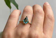 The Willow Ring with a Kite-Shaped Tourmaline