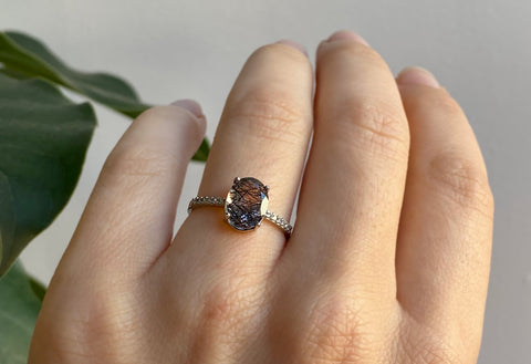 The Willow Ring With an Oval-Cut Tourmaline in Quartz