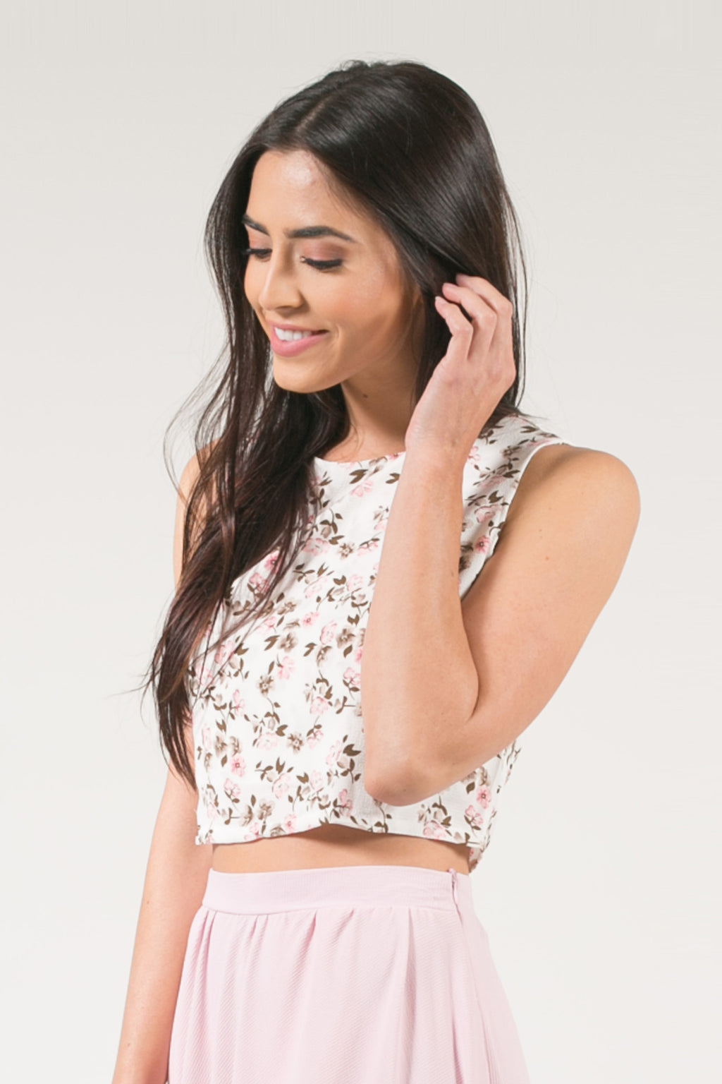 Kari Sleeveless Crop Top - Blush Lily